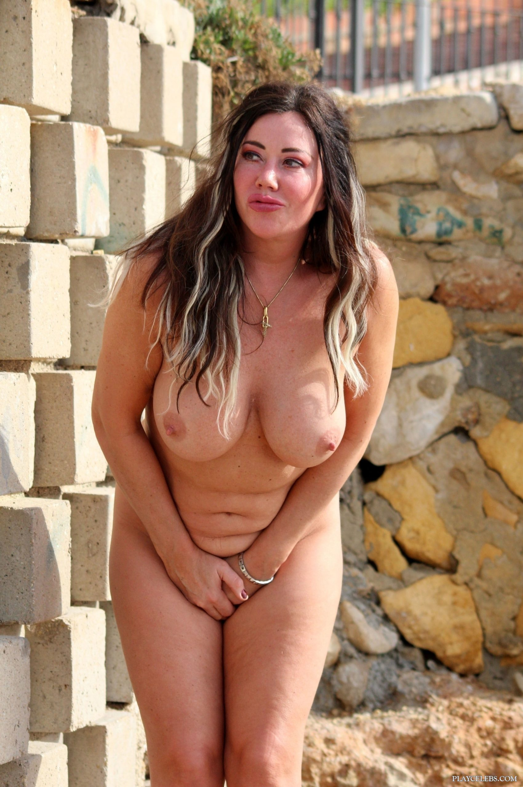 Lisa Appleton Frontal Nude And Sexy Photos