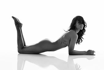 Zoe Saldana Nude