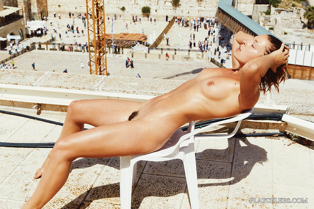 Marisa Papen Nude And Sexy Uncensored Photos