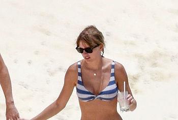 Taylor Swift nude