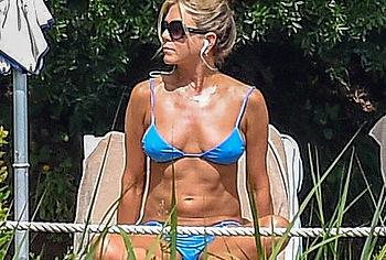 Jennifer Aniston nude