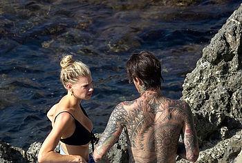 Charlotte McKinney nude