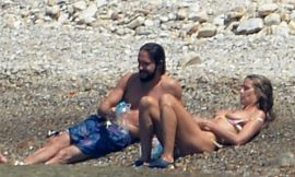 Heidi Klum Relaxing Topless With Her New Boyfriend