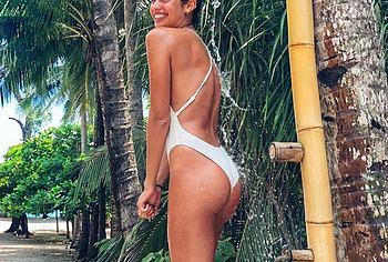 Sara Sampaio nude