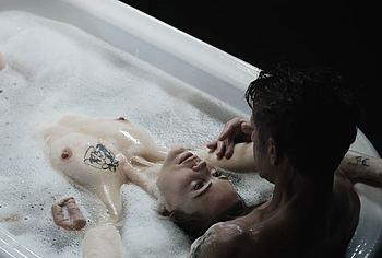 Melissa George nude