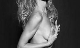 Heidi Klum Posing Completely Nude
