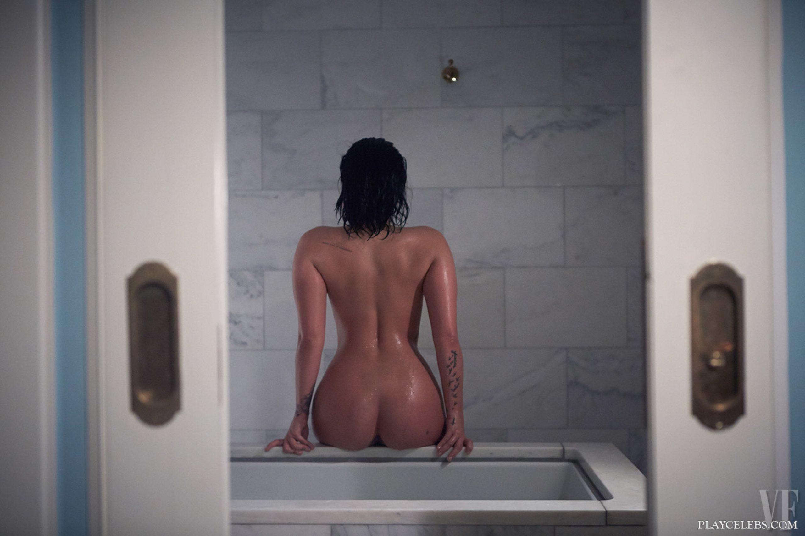 Demi Lovato Nude And Sexy Swimsuit Pics