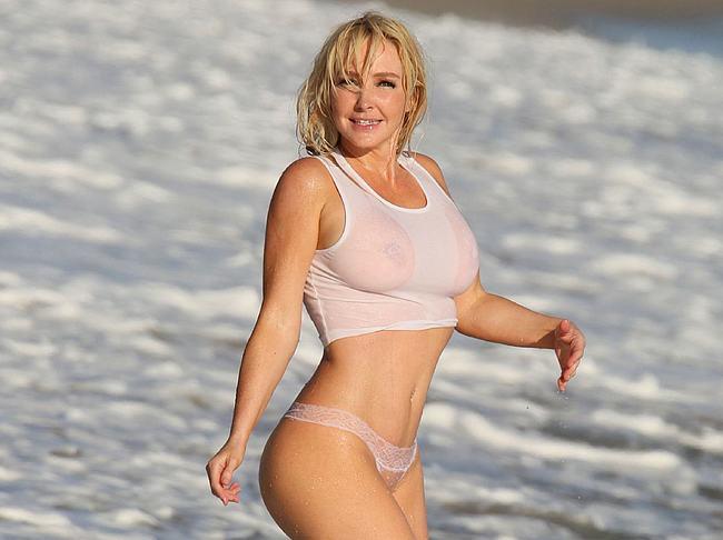 Nikki Lund nude
