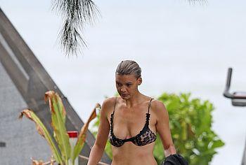 Kelly Rohrbach nude