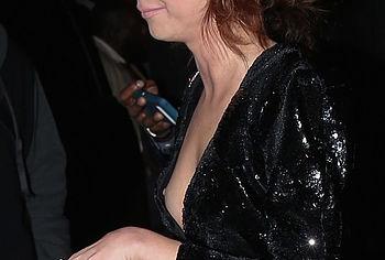 Sarah Hyland nude