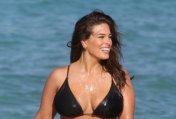 Pia Miller Sexy The Fappening Bikini Pics | #The Fappening