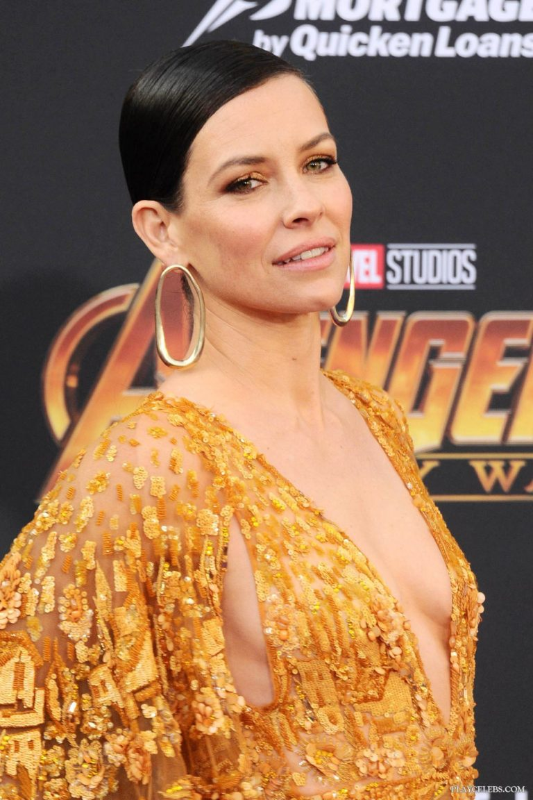 Evangeline Lilly Showing Side Boobs In Sexy Outfit