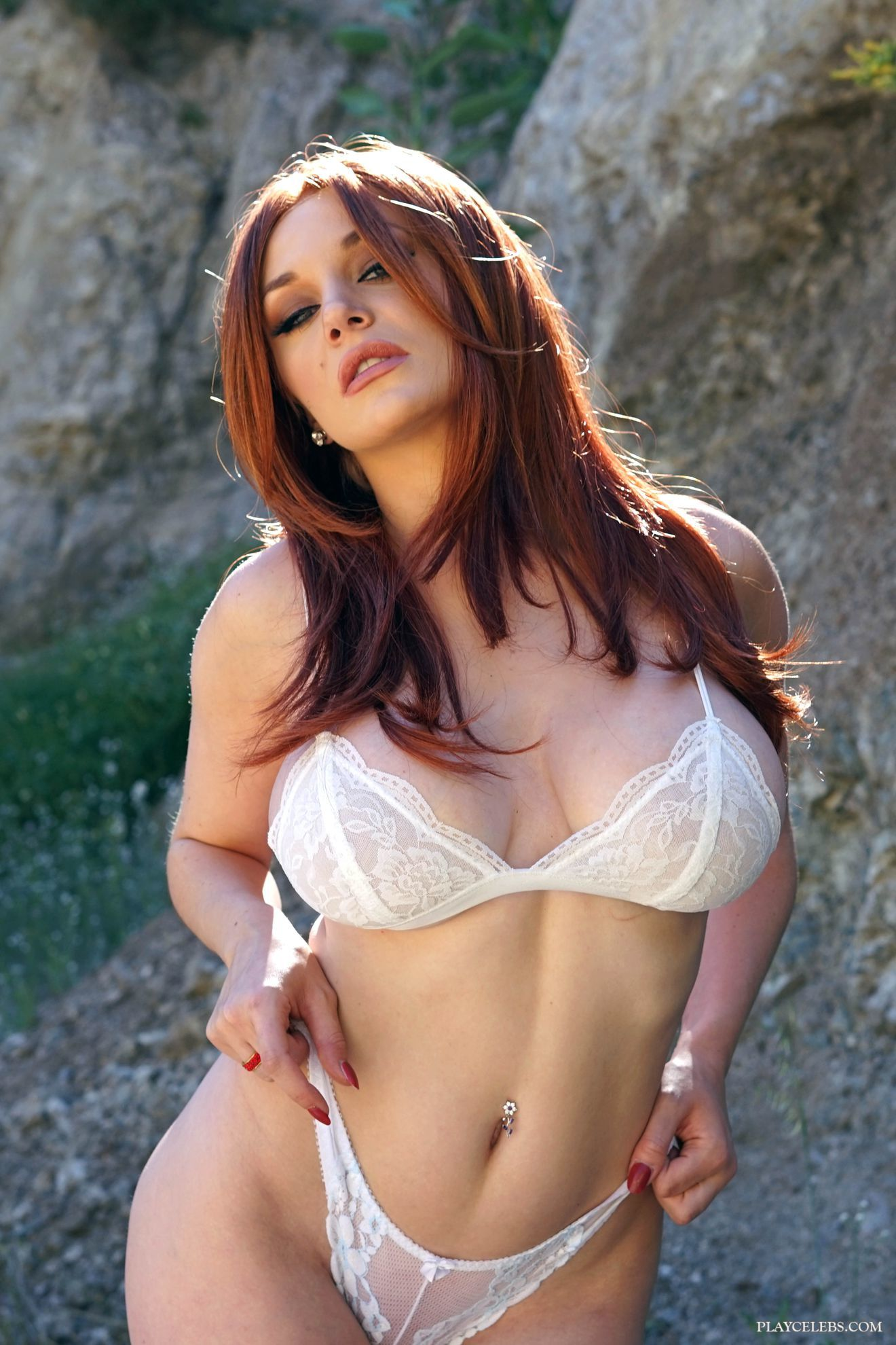 Busty Celeb Courtney Stodden Posing In Hot Lacy Lingerie