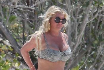 Jessica Simpson nude