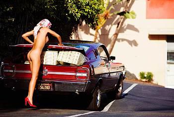Lauren Young nude