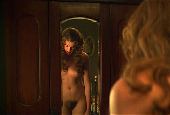 Agyness Deyn Nude