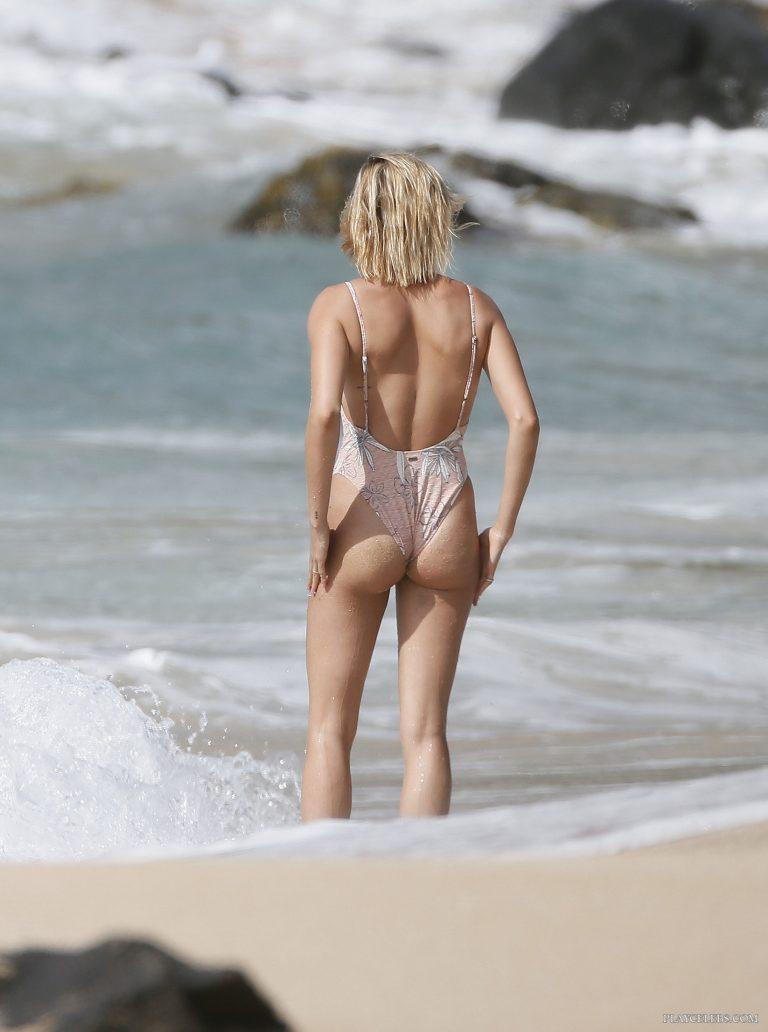 Hailey Baldwin Shows Off Her Gorgeous Butt On A Beach