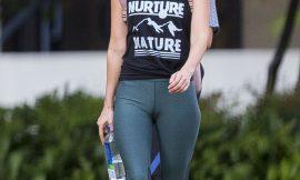 Megan Fox Sweet Cameltoe In Tight Pants