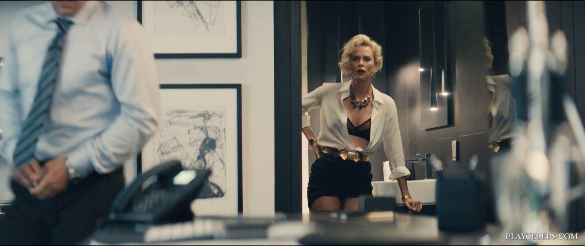 Actress Charlize Theron Wild Sex From Behind In Gringo (2018)