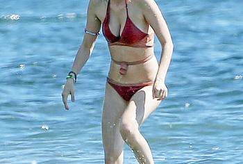 Bella Thorne Nude