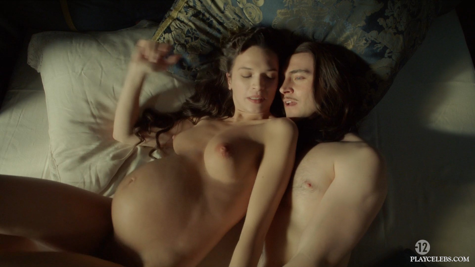Anna Brewster Nude & Pregnant In Versailles