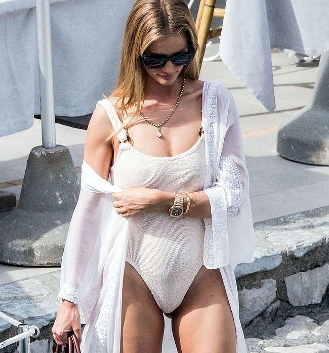 Rosie Huntington-Whiteley nude
