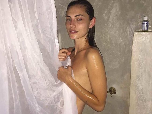 Phoebe Tonkin nude