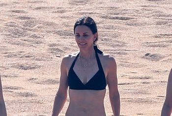 Courteney Cox nude