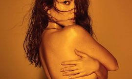 Kourtney Kardashian Sexy Bikini And Topless Pictures