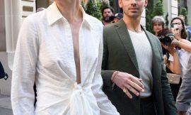 Sophie Turner Paparazzi Cleavage And Pokies Photos