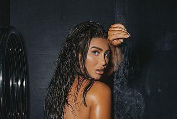 Lauren Goodger nude