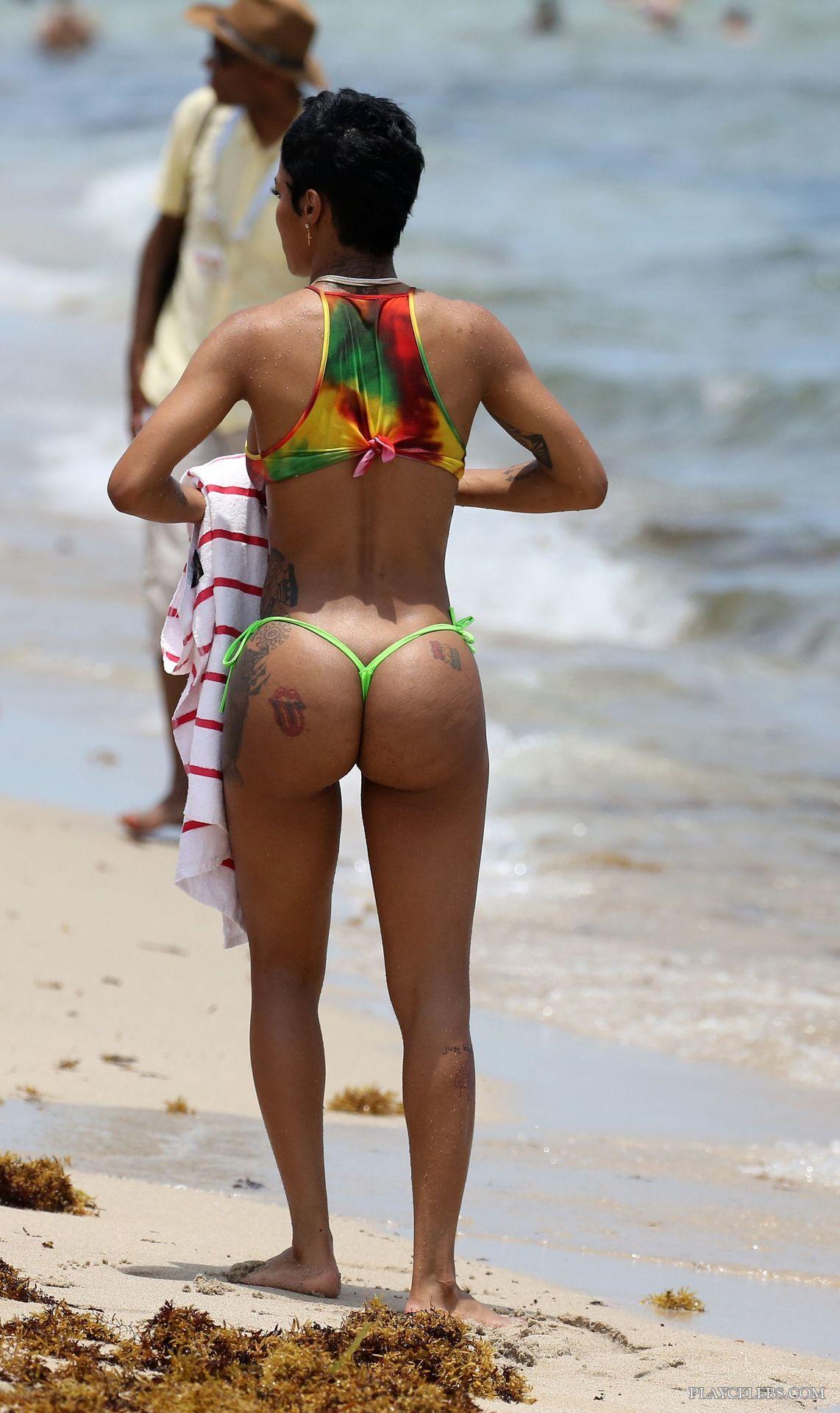 Teyana Taylor Hot Ass In Micro Bikini
