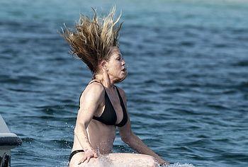 Melanie Griffith nude