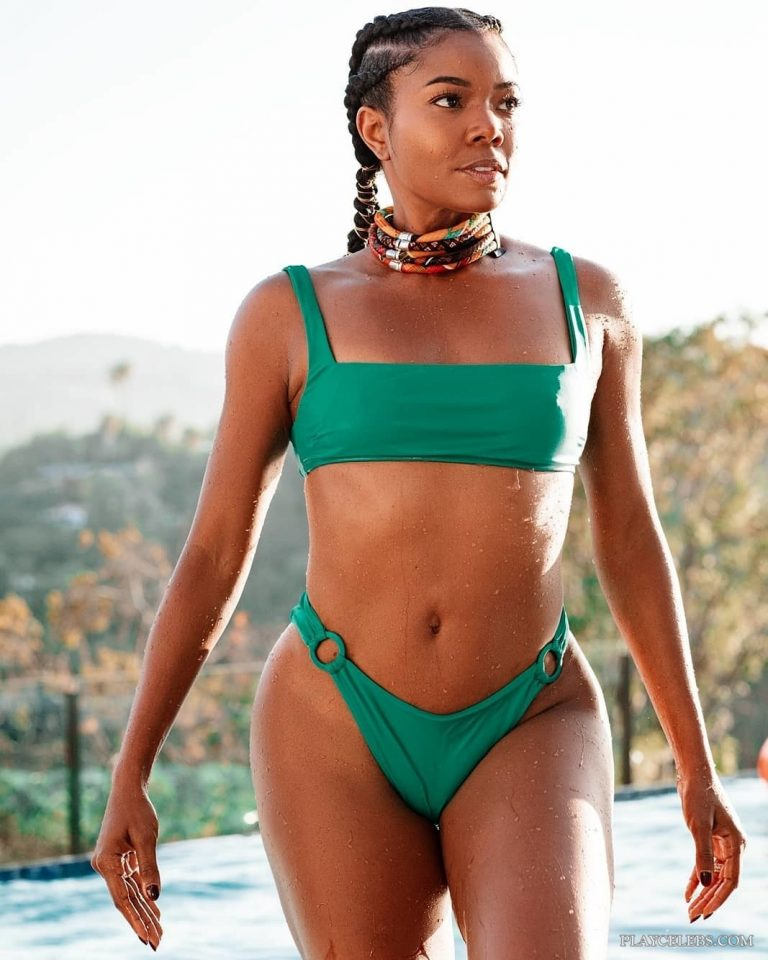 Gabrielle Union Looking Hot In Wet Bikini