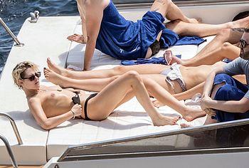 Kristen Stewart nude