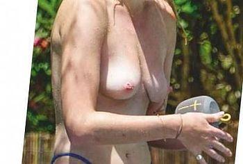 Sophie Turner Nude
