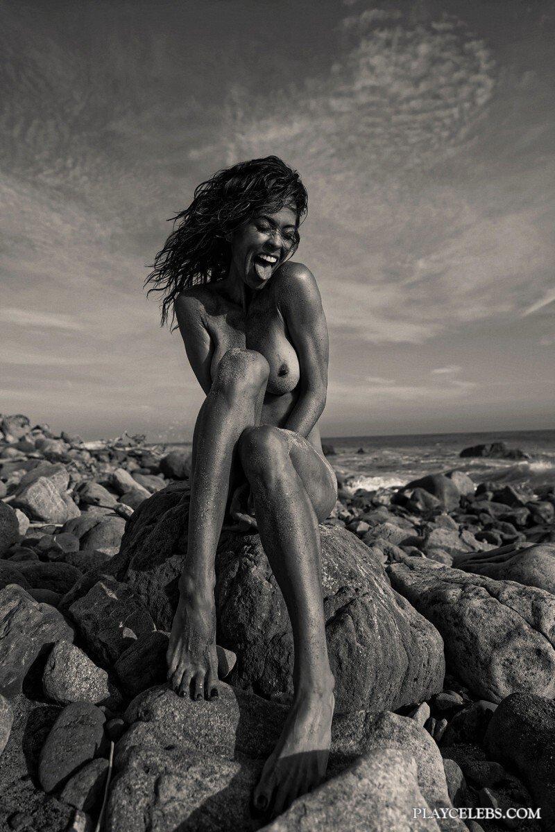 Brooke Burke Nude And Sexy Photoshoot