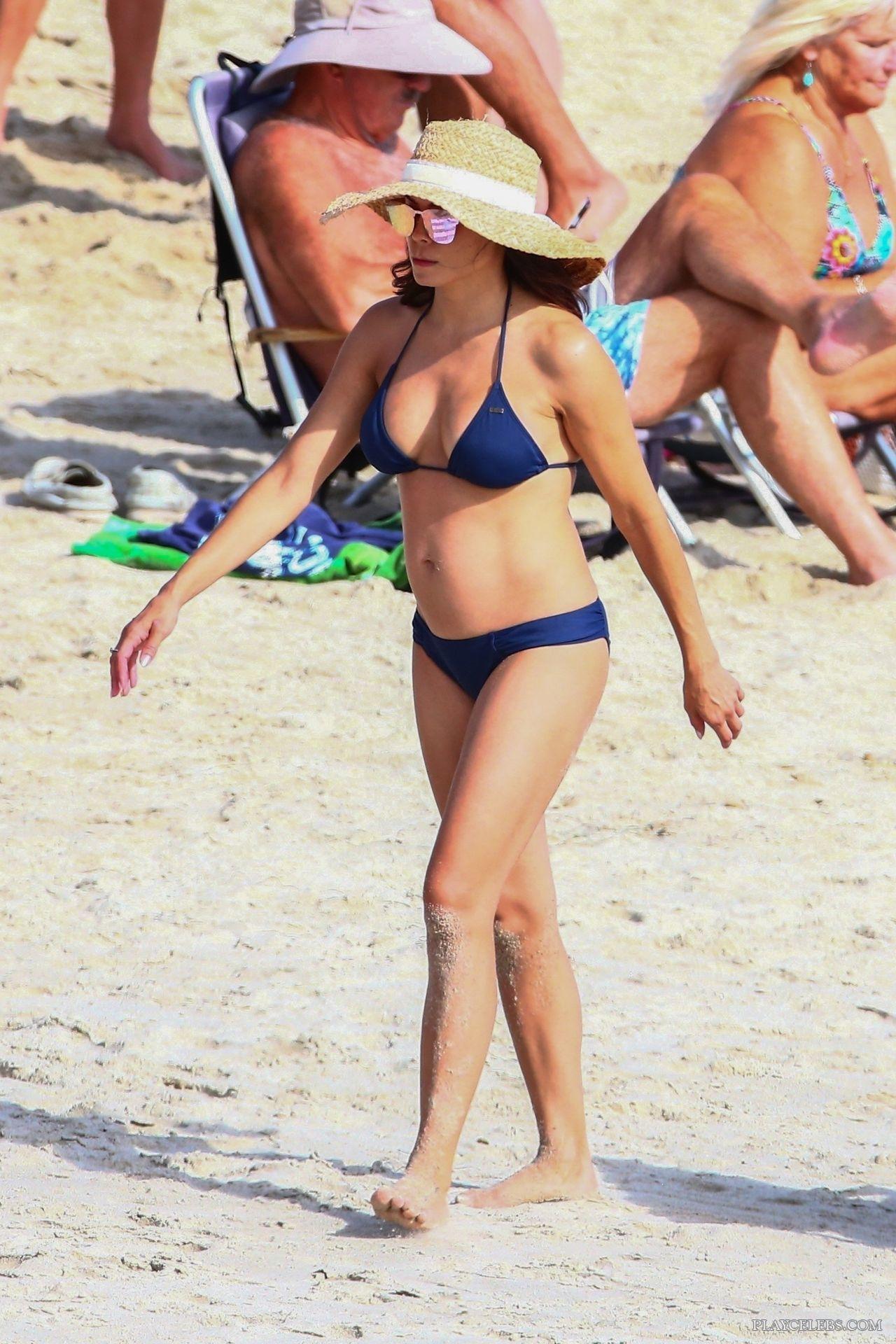 Jenna Dewan Tanning In Bikini On A Beach