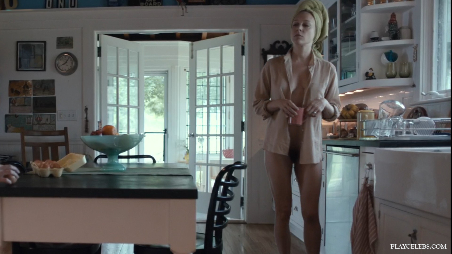 Chloe Sevigny And Shannon Tarbet Frontal Naked & Sexy Scenes From Love Is Blind (2019)
