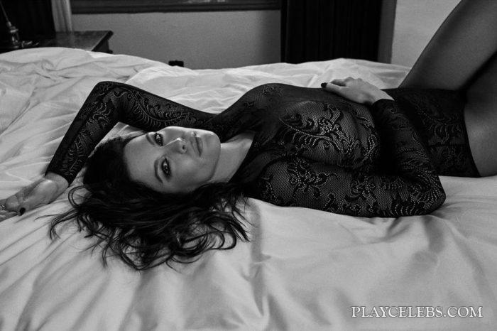 Liv Tyler Pregnant And See Through Photos