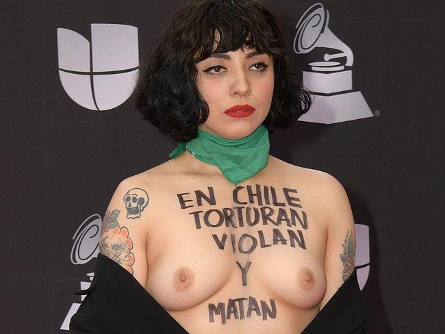Mon Laferte nude