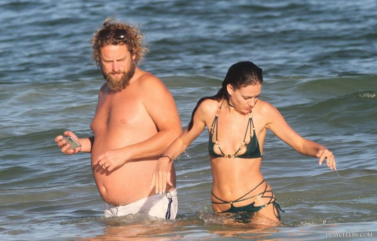 Eliza Cummings Nipslip And Bikini Beach Photos
