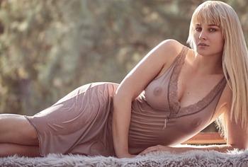 Genevieve Morton sexy