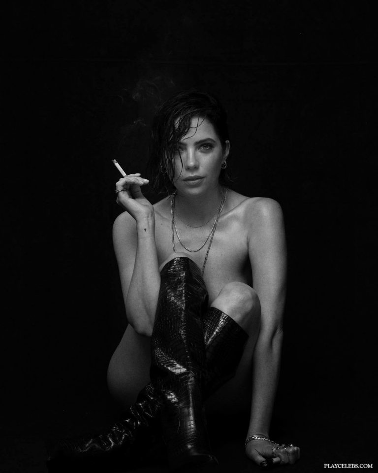Read more about the article Ashley Benson New Nude Black & White Photoshoot