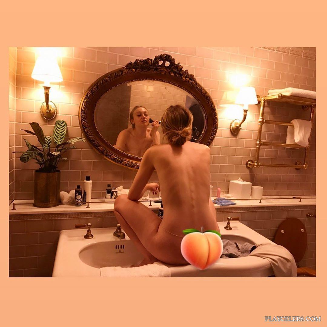 Dakota Fanning Nude Homemade Photo