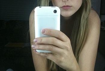 leelee sobieski selfie