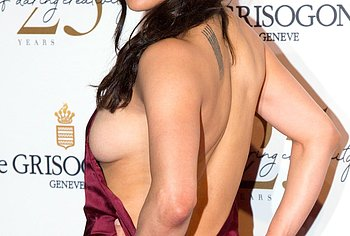 michelle rodriguez side boobs