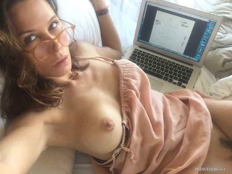 Rhona Mitra Leaked Nude And Sexy Scandal Photos