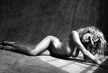 Charlotte McKinney nude pussy
