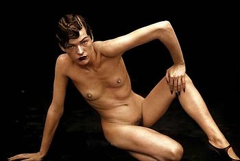 Milla Jovovich frontal nude